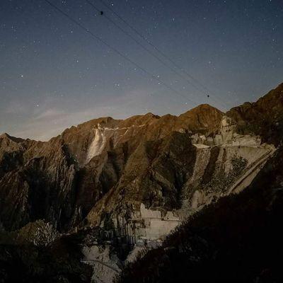 Cava Cave Marble Marmo montagna mountains mountain montagne monti monte apuane alpiapuane altaversilia versilia notte night star stars stelle italia italy tuscany toscana