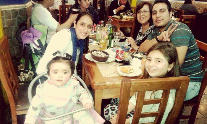 Celebrando a la matriarca del hogar ♥♥feliz cumple a mami *.* De parte de tus hijos y nietas :) Te Queremos mucho ★♡ Gonzalo Camila Damaris Aylen ♥