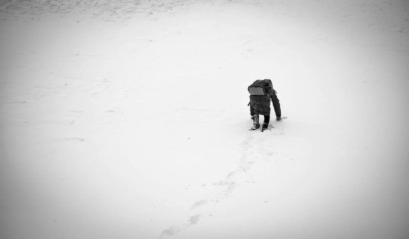 Landscape Climbing Photography Winter Snow Cold Temperature Real People Walking Weather Shades Of Winter Adventure Rear View Nature Togetherness Day Lifestyles Leisure Activity Hiking Friendship Beauty In Nature Outdoors