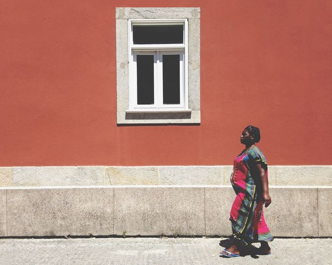 Real People Great Atmosphere Streetphotography Street Photography African Beauty Colors Walking