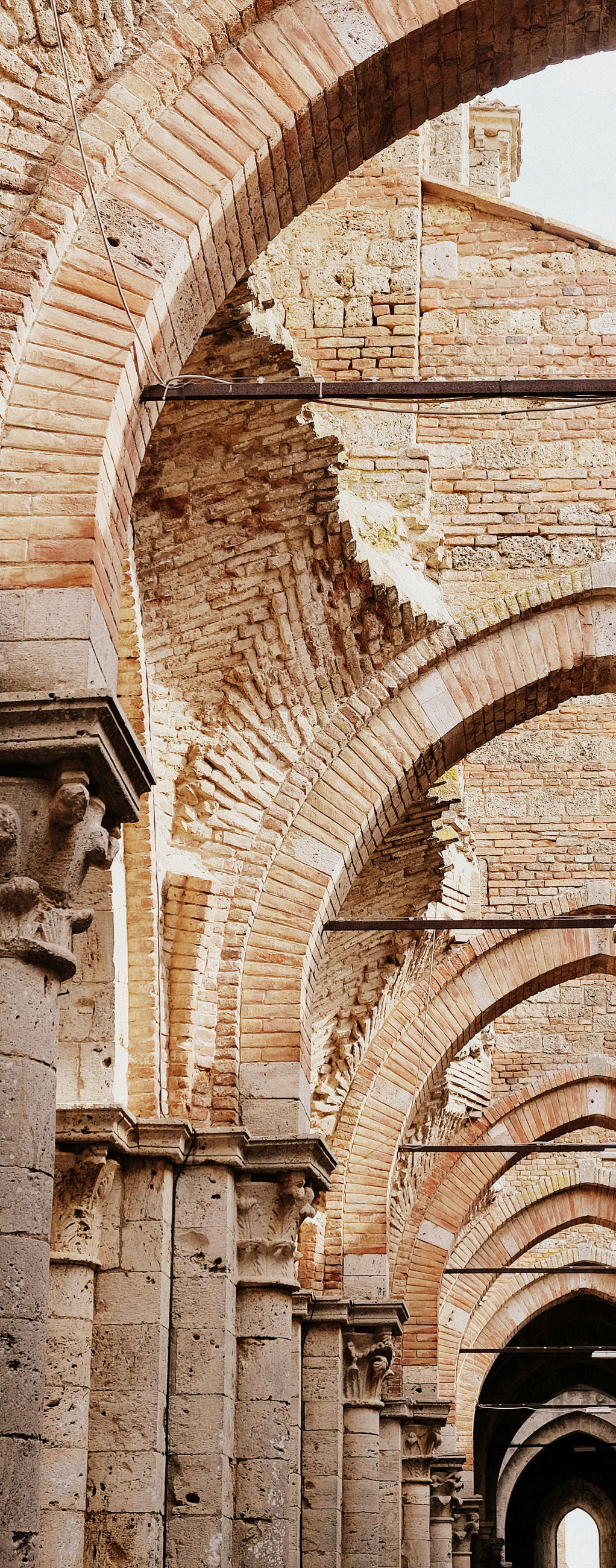 arch, architecture, history, the past, built structure, travel destinations, no people, indoors, old, low angle view, day, building, arcade, ancient, pattern, tourism, architectural column, travel, wall, ceiling, ornate, ancient civilization