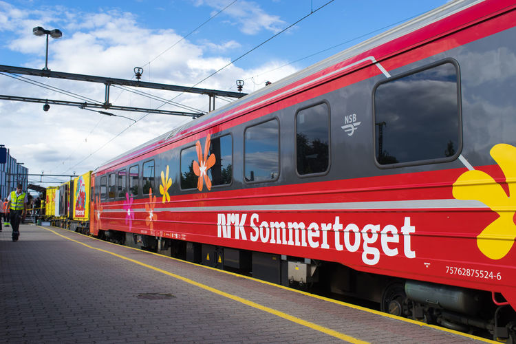 NRK Sommertoget 35mm Lens August August 2017 Lines Norway Red Summertime Colorful Colorful Train Day Full Frame Nrk Nrk Sommertoget Porsgrunn Porsgrunn Railway Station Rail Sommertoget Summer Telemark Train Window Yellow