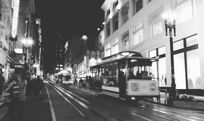 Powell street by night San Francisco Architecture Streetphotography On The Move City Life SF Powell Street Cablecar Mode Of Transport Travelerlover Travel Photography Sfbynight Monochrome Photography