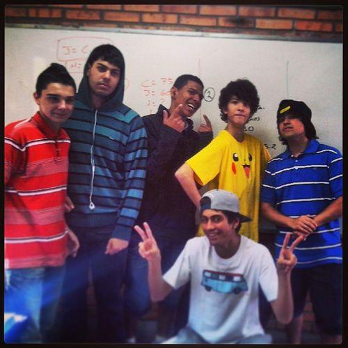 Rangers da favela. 203 Amarelo Vermelho Azul preto branco verde niggas