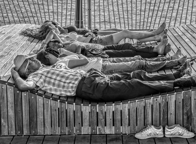 Lying Down Relaxation Sleeping Lying On Back Full Length Two People Leisure Activity Togetherness Day Real People Sitting Outdoors Human Body Part People Adult Adults Only The Street Photographer The Street Photographer - 2017 EyeEm Awards Sommergefühle