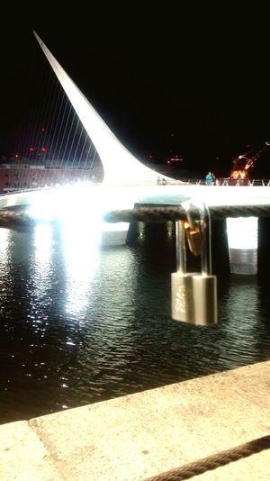 El amor después del amor, tal vez... Puente De La Mujer Candados De Amor EyeEm Buenos Aires