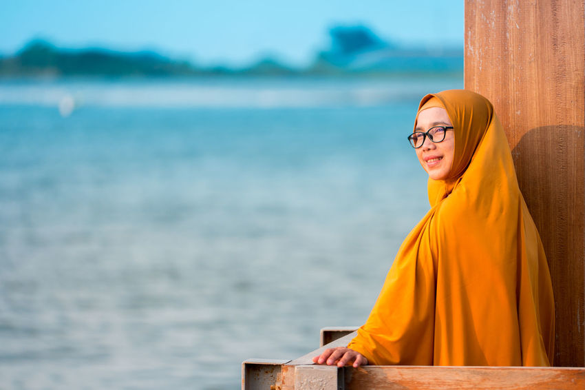 Ibuk NX1 Samsung Beach Happiness Leisure Activity Nature One Person Outdoors Portrait Samsungphotography Sea Smiling Water Yellow Young Adult Young Women
