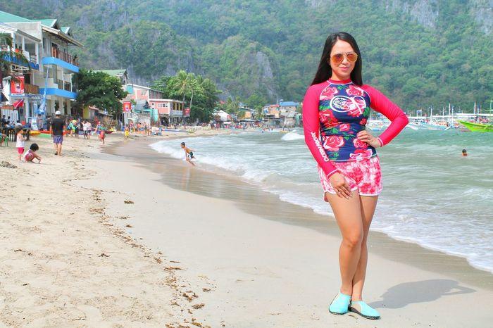 The view at El Nido beach. Elnido Elnidopalawan2016 Beautifulplace Iloveelnido Paradise Bloggerlife People And Places Photography Eyeem Photo EyeEm Eyeem Philippines Leimeafotografia