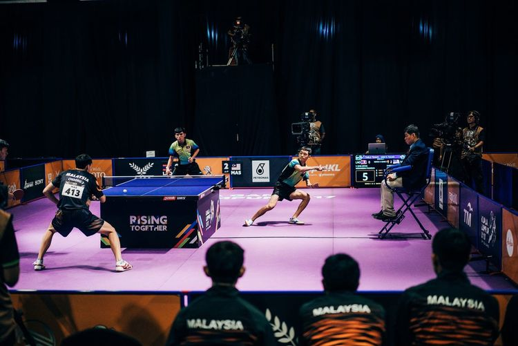 Table tennis 29th Sea Games Kuala Lumpur 2017 Arts Culture And Entertainment Music Real People Large Group Of People Men Event Stage - Performance Space Musician Performance Indoors  Occupation Leisure Activity Performing Arts Event Audience Singer  Standing Lifestyles Musical Instrument Women Technology Sport Tabletennis Pingpong Malaysia BangkitBersama