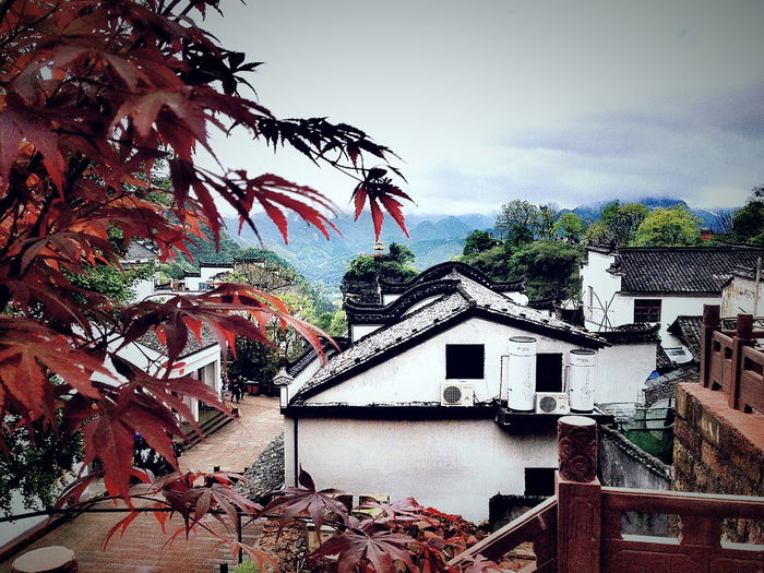 I went there with my friends.It has a long historical culture and special buildings Anhui,China Beauty In Nature Fresh Air Historical Sights Mountains Old Buildings Special Culture And Buildings View First Eyeem Photo