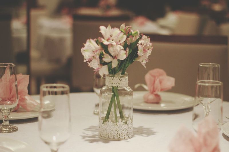 Flower Table Rose - Flower No People Indoors  Fragility Bouquet Wedding Reception Flower Arrangement Close-up Day Millennial Pink