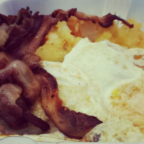 My breakfast of Champions!!! 2eggsovereasy Homefries Softbacon ButteredToast hazelnutcoffee twosplendas halfandhalf hungry startthedayoffontherightfoot TGIF mymorningpickmeup