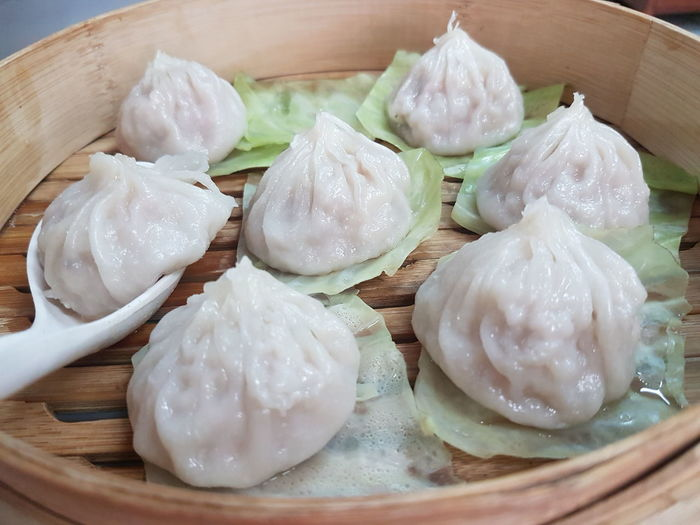 Chinese Food Dumpling  Food And Drink Food Chinese Dumpling Dim Sum Still Life Steamed  Indoors  Freshness Bamboo - Material Ready-to-eat Chinese Takeout Steam Asian Food Healthy Eating Scented Serving Size No People Close-up Xiao Long Pao