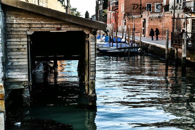 Street Photo Street Photography Street Art Ritratto Cielo Colori Acqua Riflessi Dino Cristino Paesaggi Paesaggio Fotografia Paessaggistica Strutture Veneto Italy Italia Venezia Laguna Venice