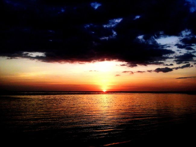 Relaxing Taking Photos Sunset Sun Beach On The Beach Nature Clouds And Sky Naturelovers Lovely