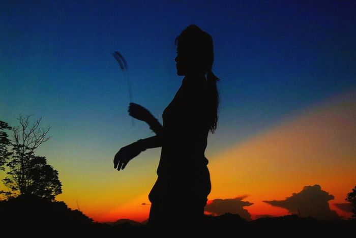 Silhouette Sunset Adult One Person One Woman Only Sky Outdoors Women Thailand🇹🇭 2017 Be. Ready. Portrait Eye4photography  Beautifull EyeEm Selects Trending Now Beauty BestofEyeEm Week On Eyeem Young Women Nature Water Tranquil Scene EyeEmNewHere