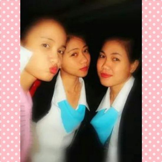 """I just remembered the caption of this was """"THE THREE MOSQUITOES"""" hahaha (^_^) Throwbackthursday  Imissthem Imissourbonding Bestfriends ILoveThemBoth <3 Stayhealthy Collegedays Photogrid Instagram Instashare Goodevening  :)"""