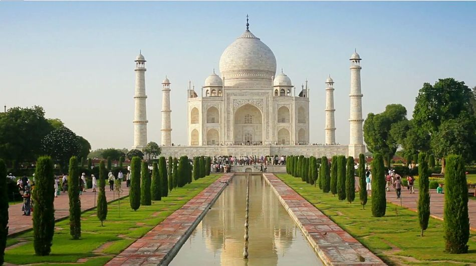 The Tourist Taj Mahal Bestoftheday Photography Wonders Of The World Showcase: February