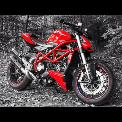 Don't look at the lady in the red dress Matrix Ducati Ducatistreetfighter Tags dirtfighter motorcycle bike baby