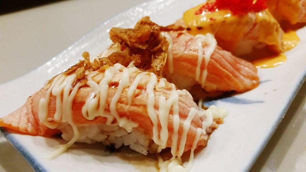 Grilled Salmon Sushi Japanese Food Salmonsushi Grilledsalmon Salmon Sushi Sushi