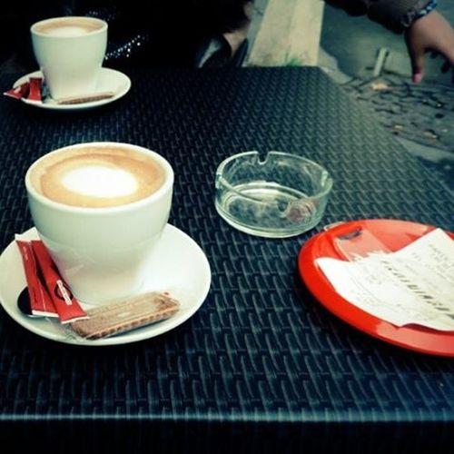 Un café noir, s'il vous plaît! Cafefrancais Loosecafe Loosemag Apresdeuj Versailles ☕
