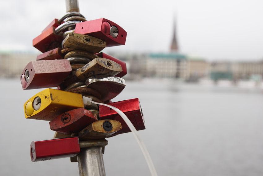 a bunch of locks Sunday Afternoon Sonntagsspaziergang Have A Look Hamburg Sonya6000 Sony A6000 Nahaufnahme Close Up Closeupshot Alster Schlösser Liebesschlösser Liebesbeweise Farbenfroh