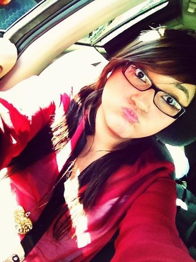 Waiting with amber in the truck for my mom >.<