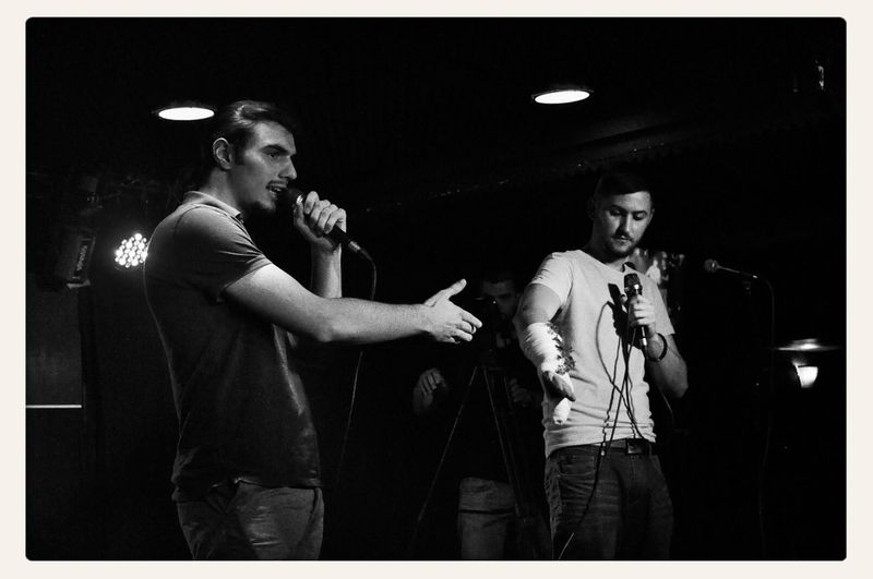 the MCs of Dreistil Kick Off (22.05.2014), both members of the Sprachsex crew; on the left: Epos (https://www.facebook.com/epossimon), on the right: Kaul Kwappen (http://soundcloud.com/suavo); copyright by Kathleen Montorio, picture taken with Nikon D5000 for the Hip Hop in Vienna Blog; MC In Vienna Rap Battle Black And White