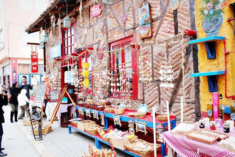 Mudanya Tirilye Hello World Bazaar