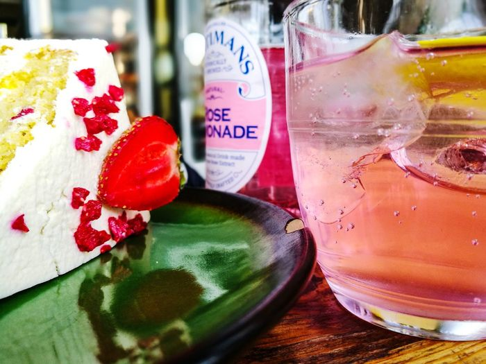 Garagelounge Victorian Sponge Cake Drink Drinking Glass Sweet Food Food And Drink Temptation