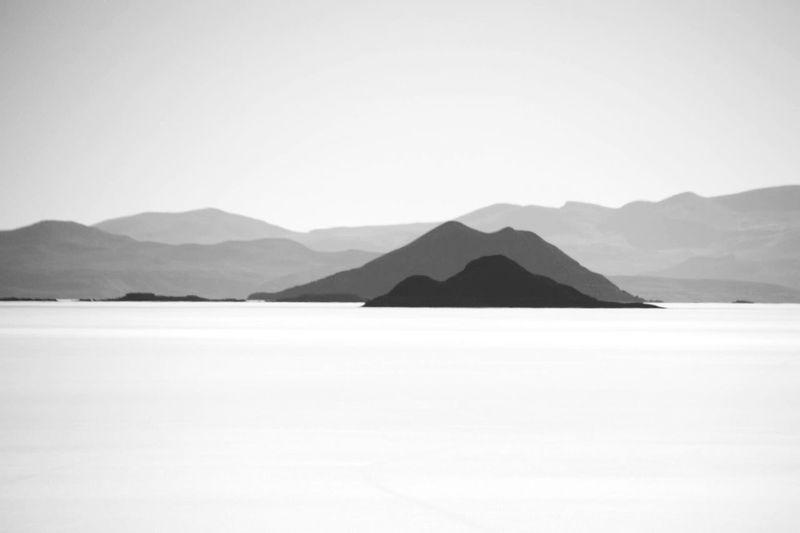 Monochrome Photography Scenics Tranquility Mountain Range Copy Space Mountain Salar De Uyuni NEM Landscapes NEM Black&white TakeoverContrast The Traveler - 2018 EyeEm Awards