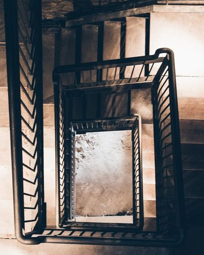 Francescora Italiadascoprire Italy Italia Abruzzo Pacentro Laquila IgersAbruzzo Igersitalia Igerslaquila Volgolaquila Yesabruzzo Il_centro Myabruzzo Yourabruzzo Visitabruzzo Exploringabruzzo Travelling Travelgram Simmetrie Bestplacetogo Turismosostenible Castellocaldora Yallersabruzzo Geometrie Borghitalia Scale  Loves_united_abruzzo Browsingitaly Spiral Staircase Steps And Staircases Urgency Steps Staircase Spiral Abstract Architecture Building Exterior Built Structure