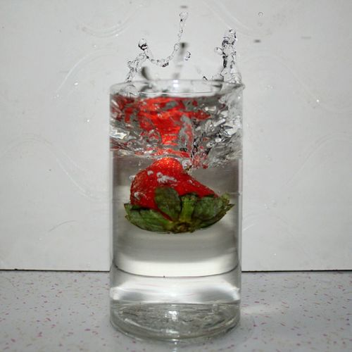 Red Motion Studio Shot Strawberry No People Freshness Water Indoors  Levitation Waterlevitation Water Reflections