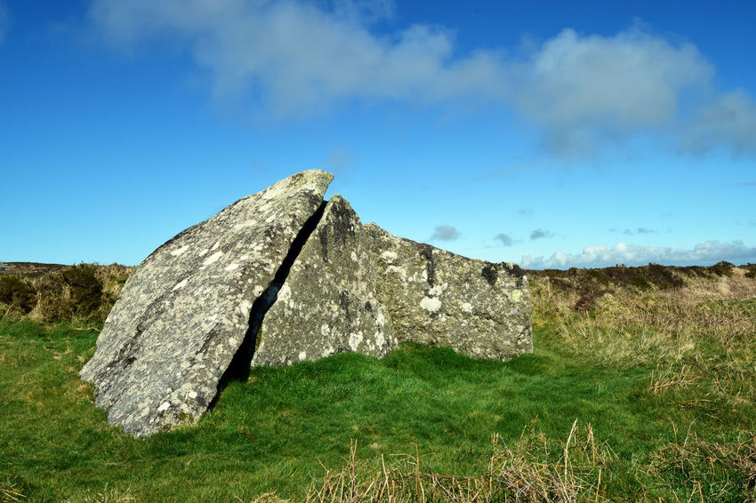 Zennor Quoit, Ancient Burial Chamber, Cornwall UK Ancient Archaeology Cornwall Life Burial Chamber Cornwall Dolmen Neolithic Neolithic Stones Zennor Zennor Quoit