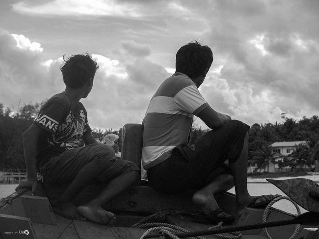Về bờ thôi! Art Boat Cloud - Sky Friendship Full Length Lifestyles Person Sea Sitting Sky