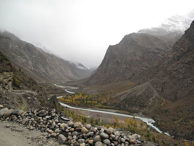 Ladakh Kashmir Beautifulindia Incredibleindia Indiapictures Luckyshot Mountains Valley Throwbackthursdays Tbts Instagram Nature Serenity RanOutOfTags