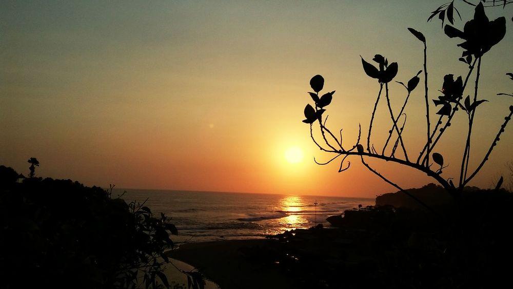 Sunset Atasbukit Pantaidrini Wonosari Gunungkidul Yogyakarta 📷
