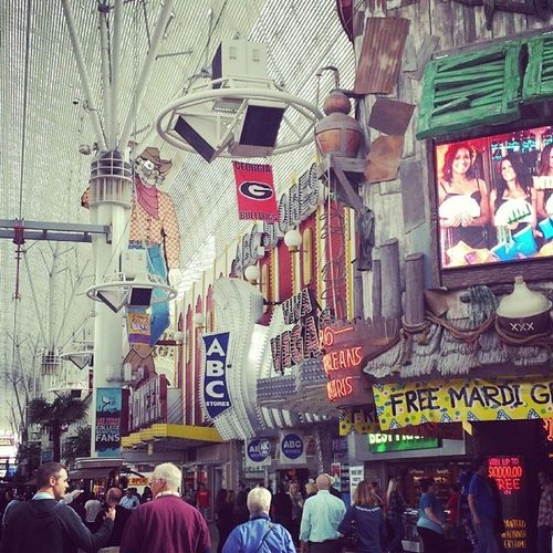 Fremont Street before the lights came on. Fun Party GoodTimes friends Vegas georgabulldogs