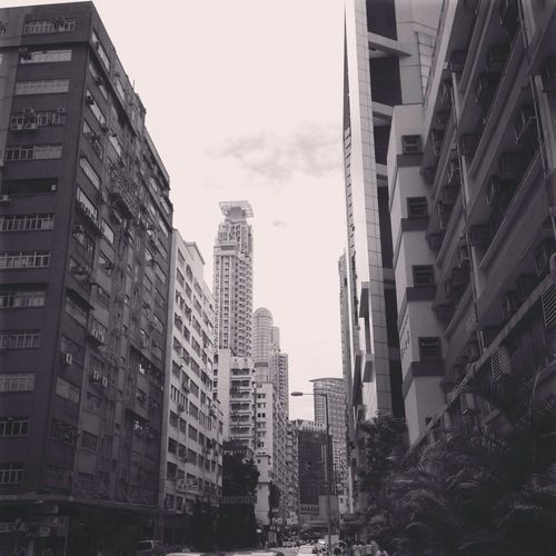 Hong Kong 大角嘴的天空