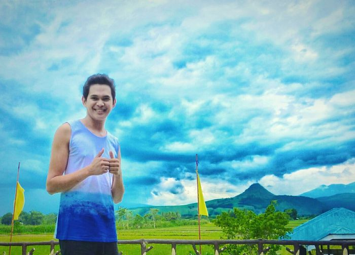 My first EyeEm Photo with the Cloud Sniffing Mountain. 😘 Standing Young Adult Cloud - Sky Landscape Sky Vacations Tourism Mountain EyeEm Firsteyeemphoto Firsteyeempicture Philippines Bestphoto Photography Travelsam First Eyeem Photo