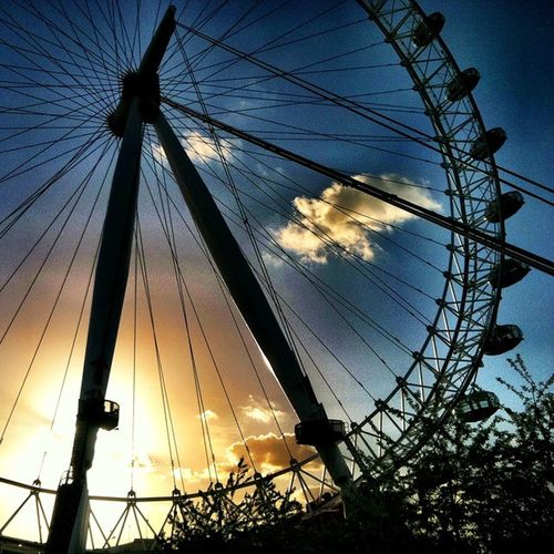 Theeye London Uk Unitedkingdom Tiems Travel Tourist Photography Color Beauty Takemeback