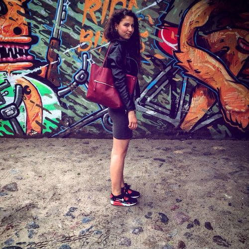 Check This Out Graffiti Girl Fashion Streetphotography Streetstyle Streetart Airmax90 Hair Cool