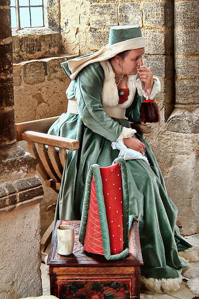 Past Reflection Bygone Times Cultures Historical Costume Historical Place History Through The Lens  Medieval Person Portrait Reinactment Sitting