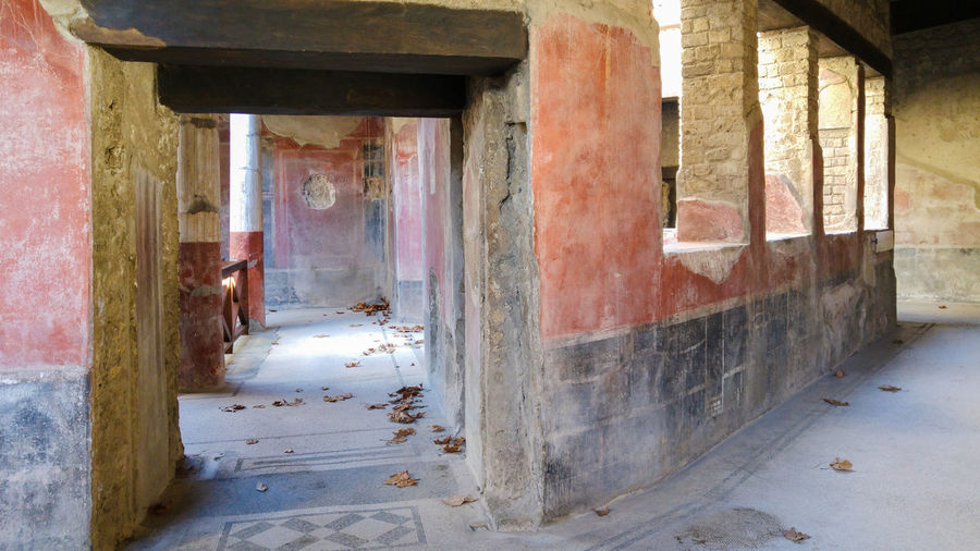 Ancient roman villa in Stabiae, bay of Naples, Italy Abandoned Architecture Building Exterior Built Structure Day Door Indoors  No People Residential Building Roman Stabiae The Way Forward Villa Weathered Window