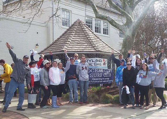 The volunteers at the Earth Day 2016 Clean Up.... Oceancitycool OceanCity Maryland Ocmd TrashOffMyBeach Earthday2016 Earthdayoc