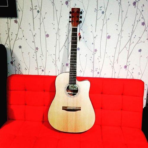 New baby 👌 FFG FilipinoFingerstyleGuitarist GuitarPusherMakati Phoebus FishmanISYS Gitara Pg30ce