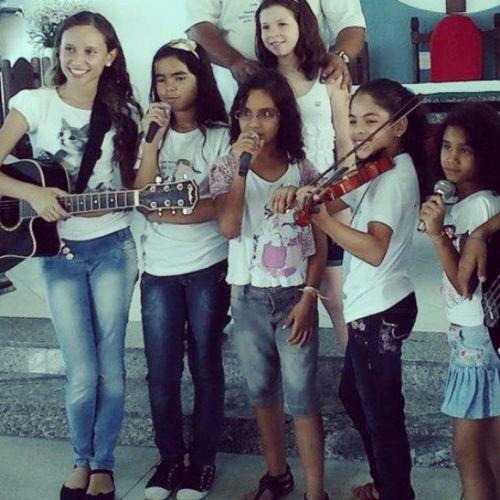 Saoluizgonzaga Igreja Coral loveguitar cool girls ;)) ilike!!