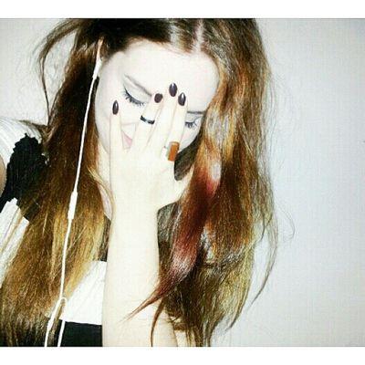 """мое Яааа небландинкаэнимор Если девушка меняет цвет волос, значит у нее новая жизнь. Теперь все поделилось на """"до"""" и """"после"""" Спасибо тебе целую"""