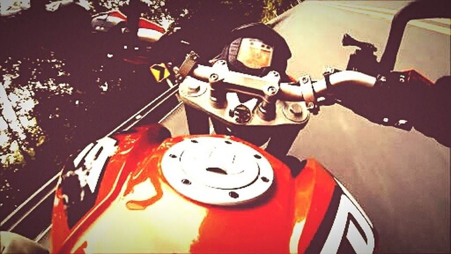 KTM Duke 200 CorneringFun