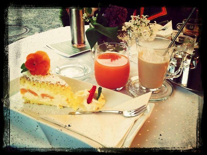 frühstück in kirchberg.. *lecker*